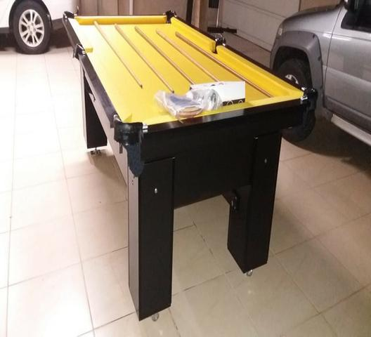 Mesa Quatro Pés laterais Cor Preta Tecido Amarelo Mod. ERDL0124 - Foto 2