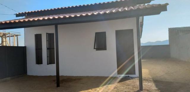 Casa Sozinha no terreno, 2 quartos, somente 58.900,00 + prestações, não precisa de banco - Foto 4