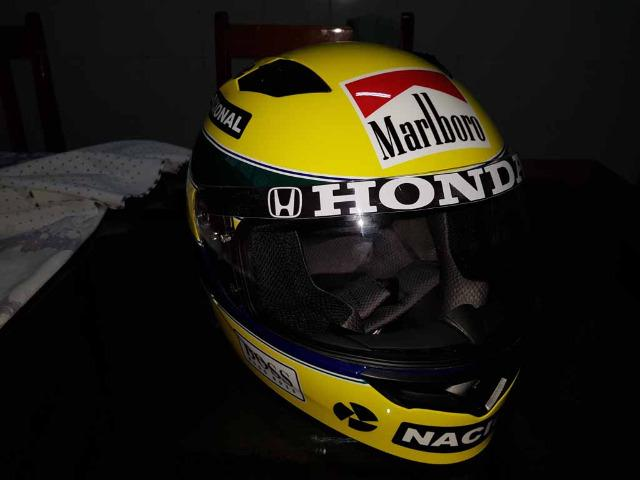 Capacete Personalizado Ayrton Senna - Novo - Sem uso - Na Caixa - Foto 4