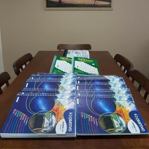 Livros Vestibular Objetivo + Livro de Provas da ufrgs - Foto 4