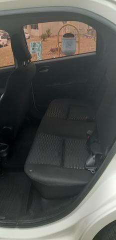 Toyota Etios 1.5 XS Hatch 2013/2014 Branco - Foto 8