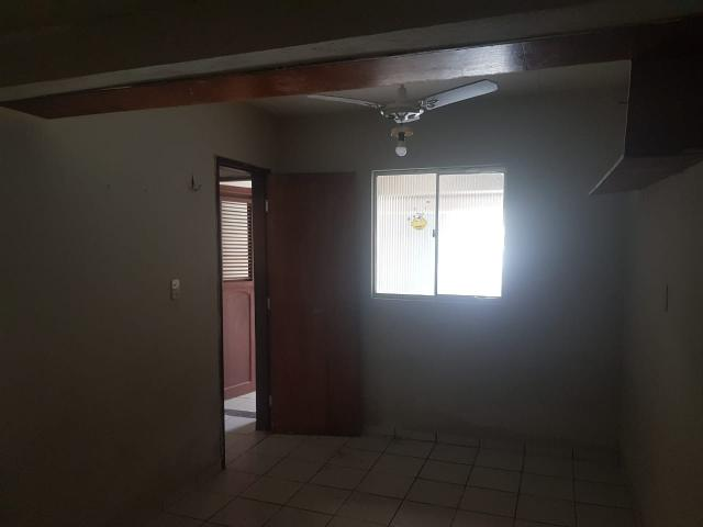 Vende- se uma Casa no Recanto Fialho, aceito carro no negócio - Foto 11