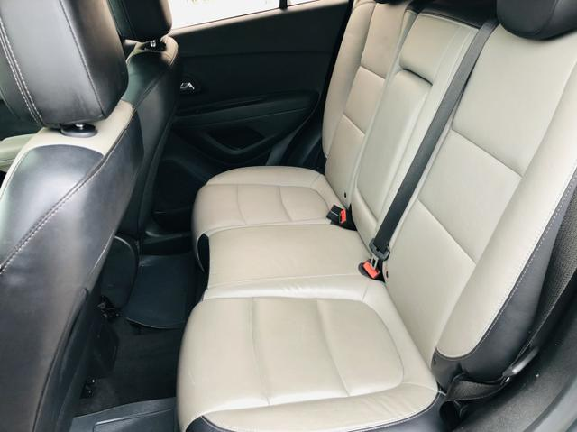 Chevrolet Tracker LTZ com teto solar - Foto 11