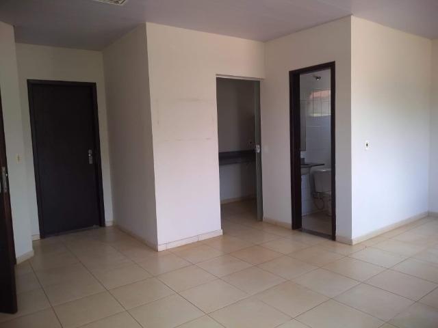 106M² distribuídos em 3 salas conjugadas com banheiros na 308 Sul (interna) - Foto 10