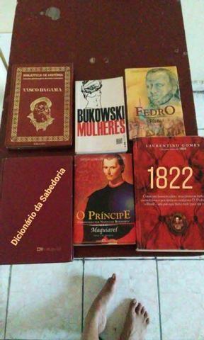 Kit com 6 livros de história e filosofia