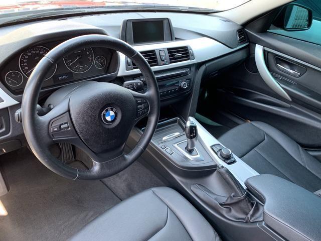 BMW 320i - Foto 12