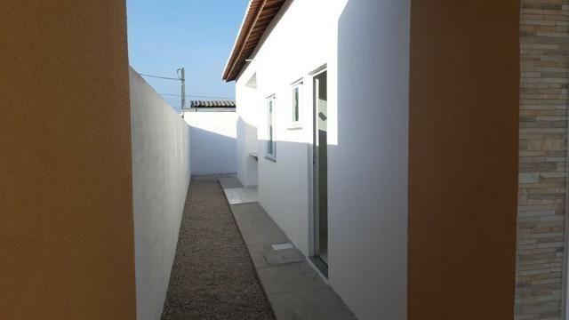 Casa de Esquina com Escritura Grátis, 02 Quartos, 02 Wc, Garagem e Quintal - Foto 6