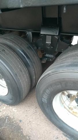 Vendo carreta LS ano 2001 assoalho de ferro roda raiada 295 com pneus - Foto 6