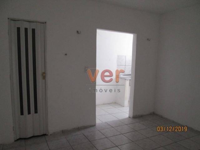 Apartamento para alugar, 50 m² por R$ 550,00/mês - Benfica - Fortaleza/CE - Foto 8