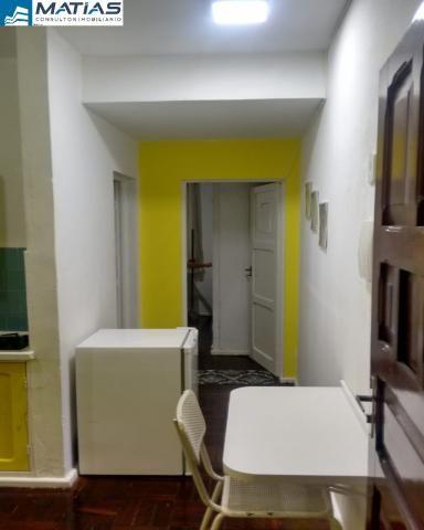 Quarto/Sala REFORMADO e MOBILIADO com 1 vaga no Centro de Guarapari - Foto 2