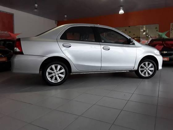 ETIOS 2019/2020 1.5 X PLUS SEDAN 16V FLEX 4P AUTOMÁTICO - Foto 8