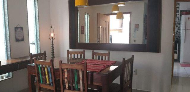 Casa de 3 quartos com suite em condomínio com lavabo, garagem para 4 carros e quintal - Foto 5