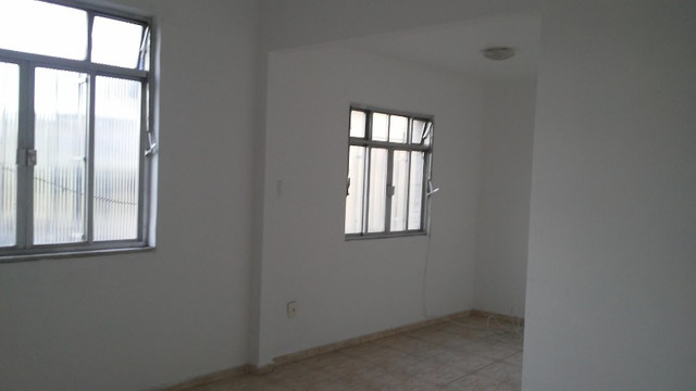 Apto 2 Quartos e Sala em L Podendo Fazer + 1 Quarto em frente ao Banco do Brasil Ac. Carta - Foto 4