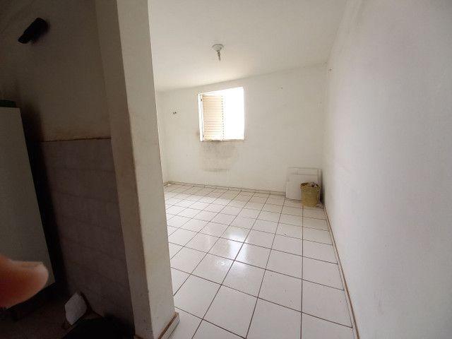 Alugo ou vendo apart na Forquilha no terceiro andar por R$ 600 reais cond. incluso - Foto 4