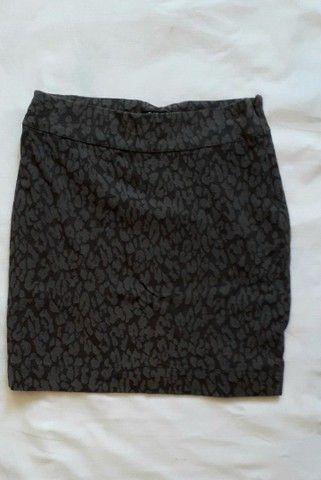 Conjunto de blusa e saia Usados  - Foto 4