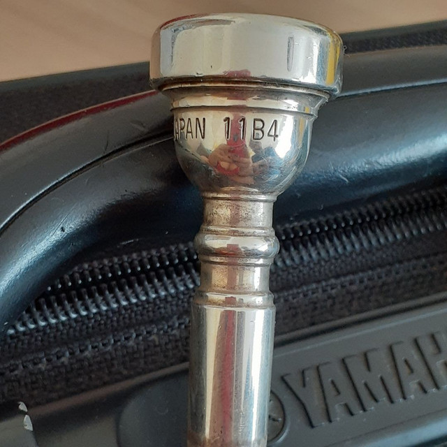 Trompete Yamaha -YTR 2335 - Dourado - Foto 4