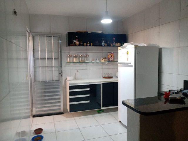 Alugo casa em pau amarelo climatizada sem mobília - Foto 3