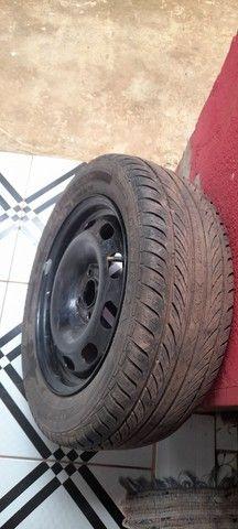 Vendo 3 aros com  pneus novinho valor 1.100 - Foto 3