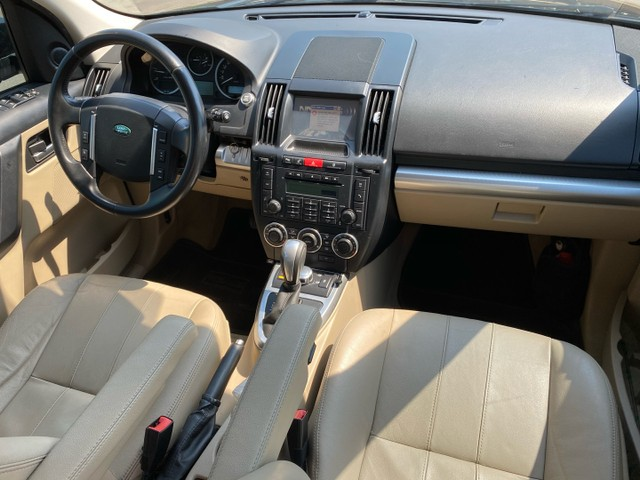 Land Rover Freelander 2 SE Diesel Semi nova extremamente conservada  - Foto 8