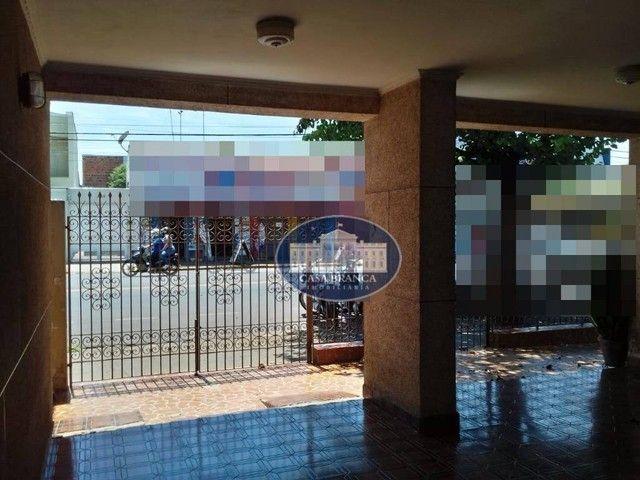 Casa com grande potencial para comércio, 3 dormitórios à venda, 189 m² por R$ 550.000 - Sa - Foto 2