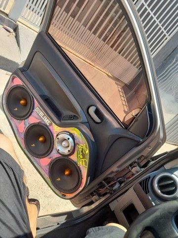 Fiesta hatch 1.6 ou troco ou agio - Foto 4