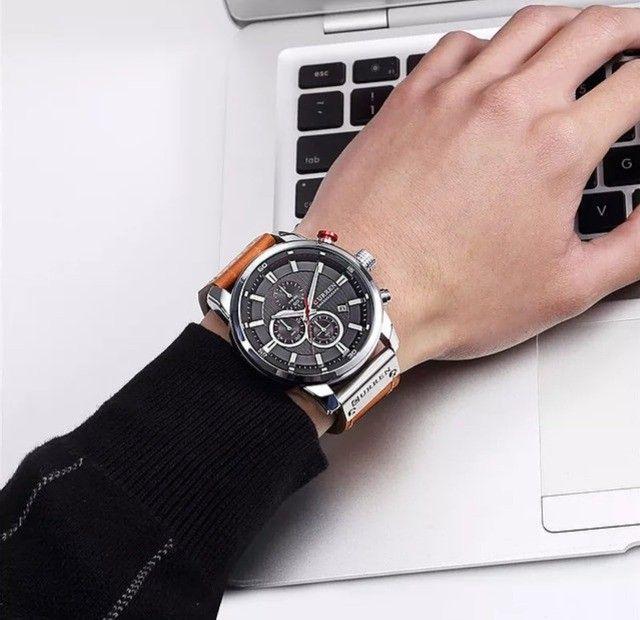 Relógio Curren com cronógrafo, caixa em aço inoxidável e pulseira de couro PU - Foto 3
