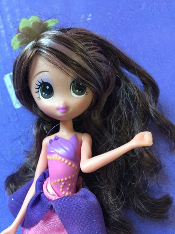 Barbie Janessa Tumbelina  borboleta  pets