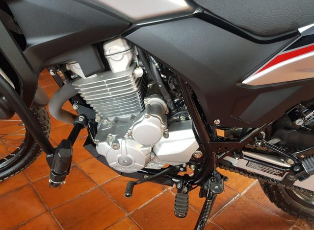 Vendo Honda XRE300 Abs - Foto 2