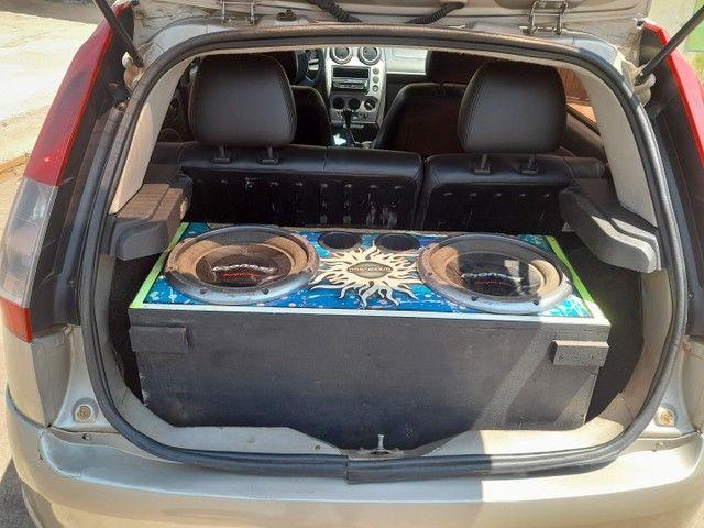 Fiesta hatch 1.6 ou troco ou agio - Foto 5
