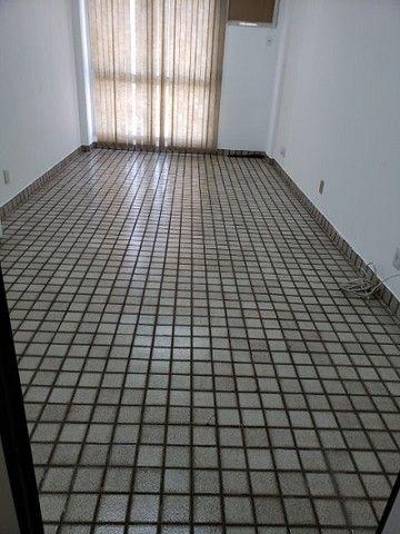 Ótima sala com luminárias e piso cerâmico de 29m² no Maracanã. - Foto 6