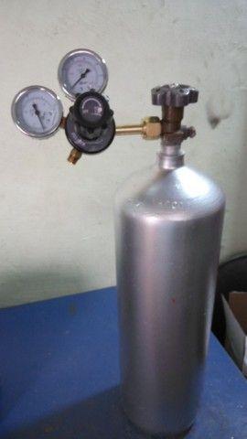 Cilindro CO2 6kg com regulador - Foto 2