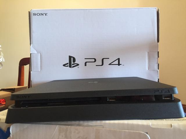 Vendo ps4 slim PlayStation 4 slim 500gb