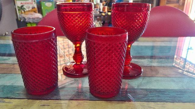 Taças e copo bico de jaca em vidro- 4 unidades