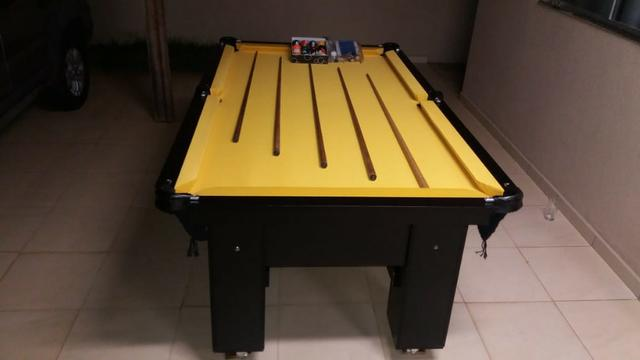 Mesa (Quatro Pés) Cor Preta MDF Tecido Amarelo Tx Mod. ZZSZ0210