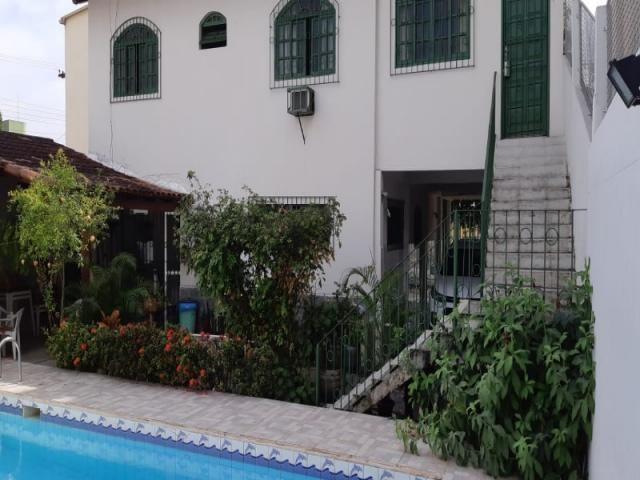 Casa duplex 4qts, 1suíte, 3vgs, 300m²