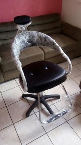 Cadeira para salão de beleza NUNCA USADA de R$1400 por R$799