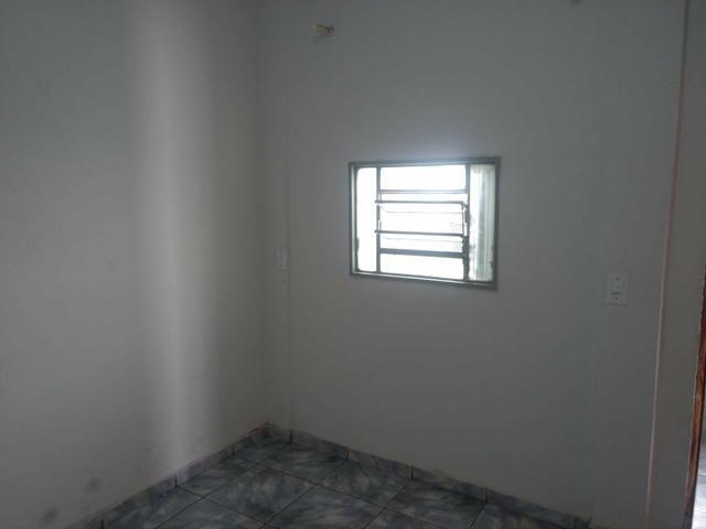 QC 01   Casa 2 Quartos   Quintal e 1 Vaga   Excelente Localização   Oportunidade - Foto 6