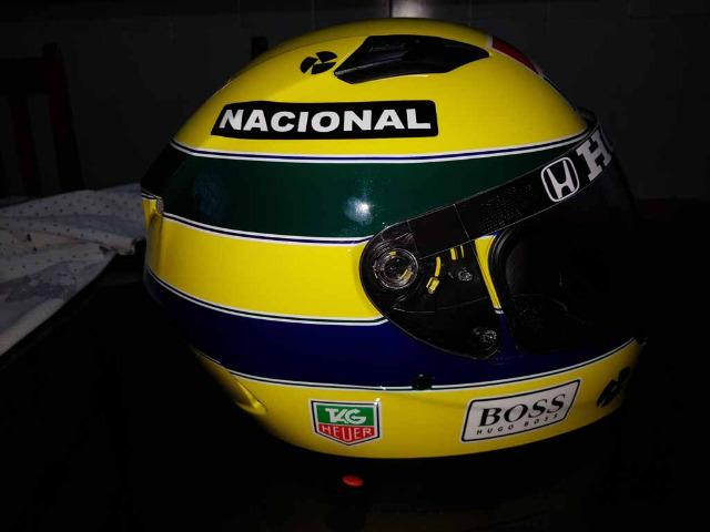 Capacete Personalizado Ayrton Senna - Novo - Sem uso - Na Caixa - Foto 16