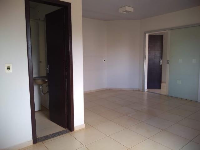 106M² distribuídos em 3 salas conjugadas com banheiros na 308 Sul (interna) - Foto 8