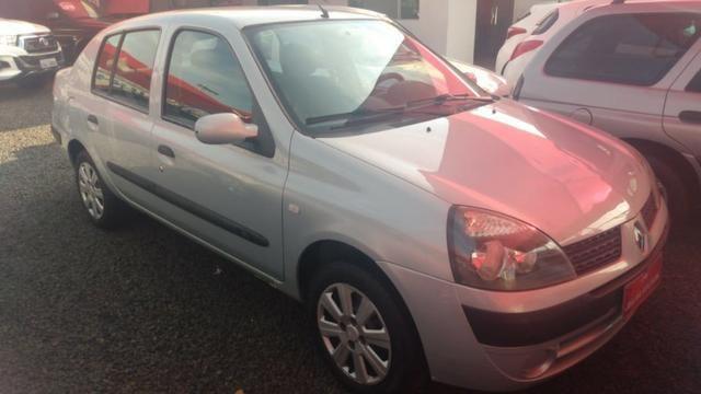 Clio Sedan(1.0)(completo(Financie*até 100%do veiculo(Parcelas a partir de R$449,90) 04/05