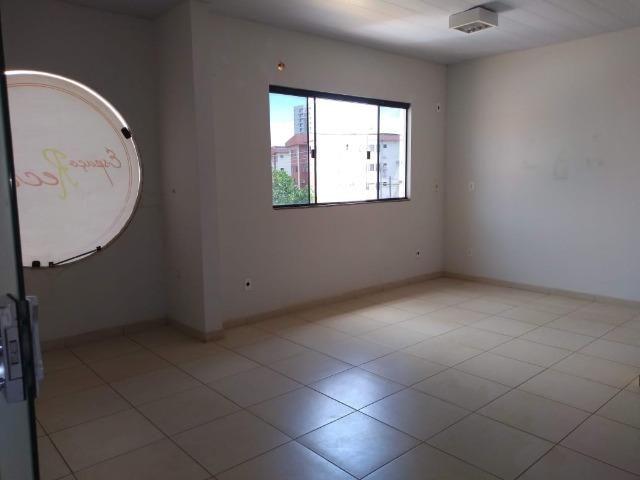106M² distribuídos em 3 salas conjugadas com banheiros na 308 Sul (interna) - Foto 9