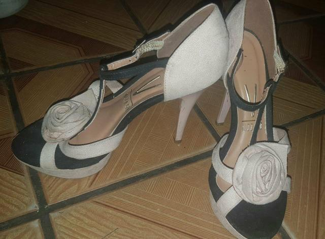 Vendo ou troco por sapatênis  sandália da vizzano n:35 36 - Foto 3