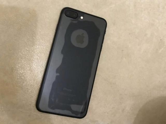 Vendo iPhone 7 Plus 128 GB impecável