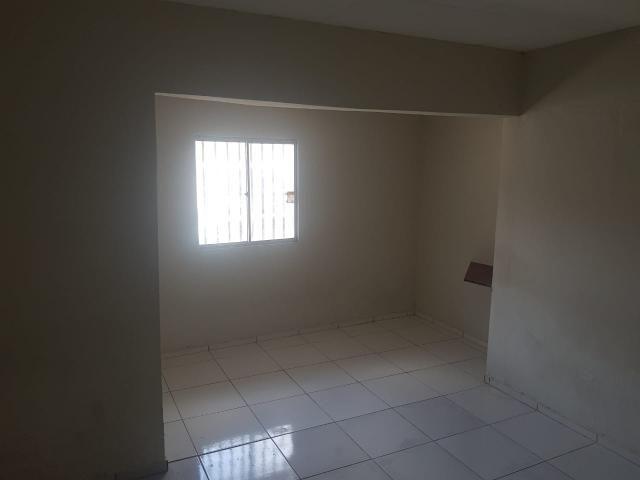 Vende- se uma Casa no Recanto Fialho, aceito carro no negócio - Foto 7
