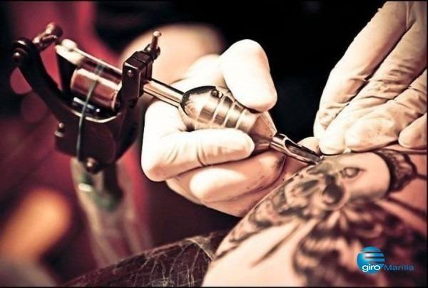 Contrata-se tatuador !!! loja na avenida brasil centro de balneário cvamboriú !!!