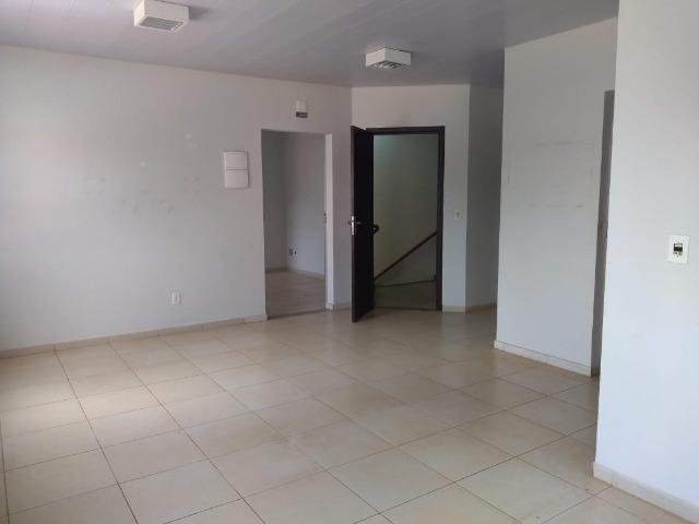 106M² distribuídos em 3 salas conjugadas com banheiros na 308 Sul (interna) - Foto 11