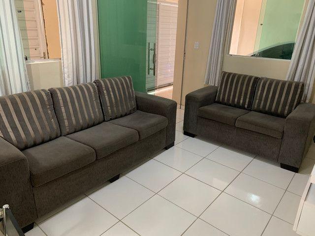Conjunto de sofá de 2 e 3 lugares. Semi Novos R$ 700,00