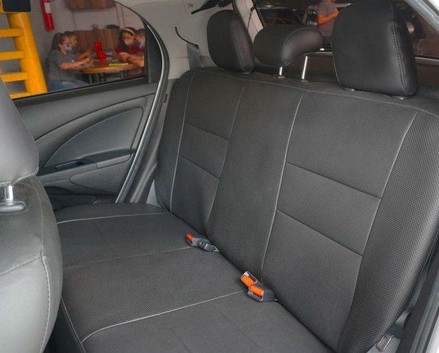 Etios Hatch X 1.3 Aut c/ 23 mil kms, é na Gran Car! - Foto 12
