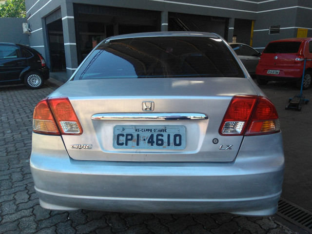 Honda civic lx 1.7 2005/2005 prata completo financiamos - Foto 2