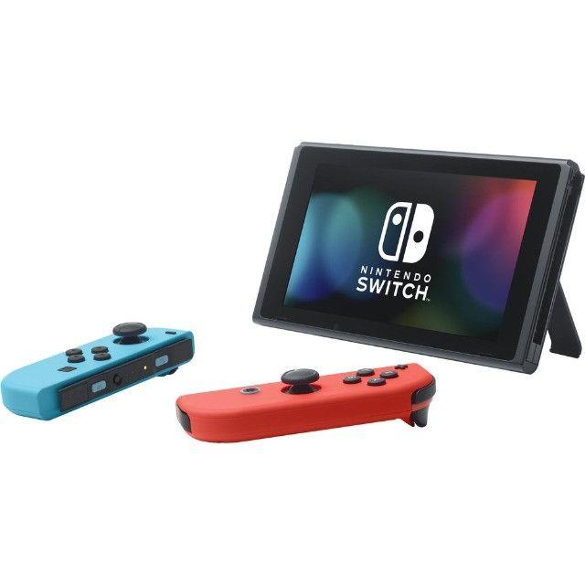 Nintendo Switch 32GB + Controle Joy-Con - Vermelho e Azul - Foto 2